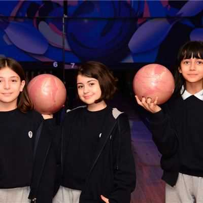 SARWARAN STUDENTS GO BOWLING