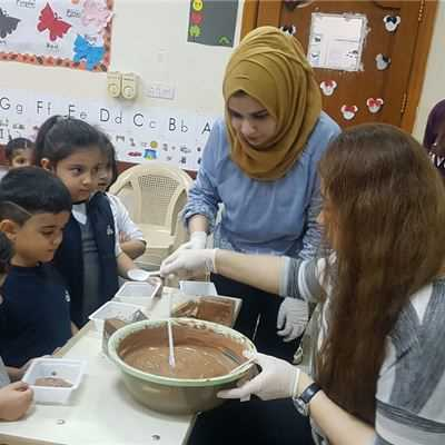 SARWARAN STUDENTS BAKE CAKES