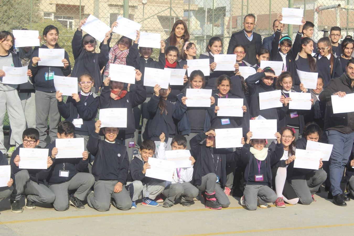Sarwaran Students Receive Certificates for Perfect Behavior
